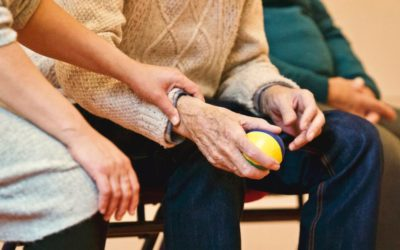 What Do You Need to Know About Scottsdale Assisted Living vs. In-Home Care